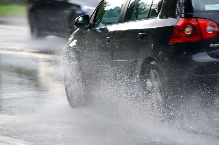 Dicas para dirigir com segurança na chuva