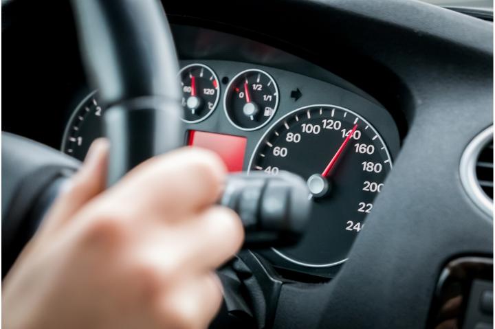 motor e velocidade do carro